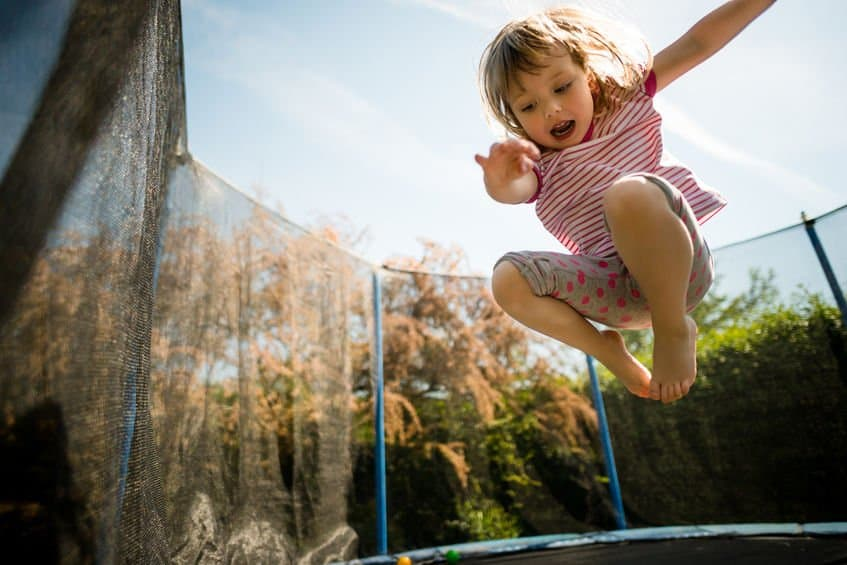 kids-trampoline-safety